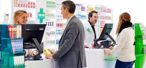 Avantage des pharmacies traditionnelles : bénéficier de l'avis du pharmacien pour choisir ses médicaments